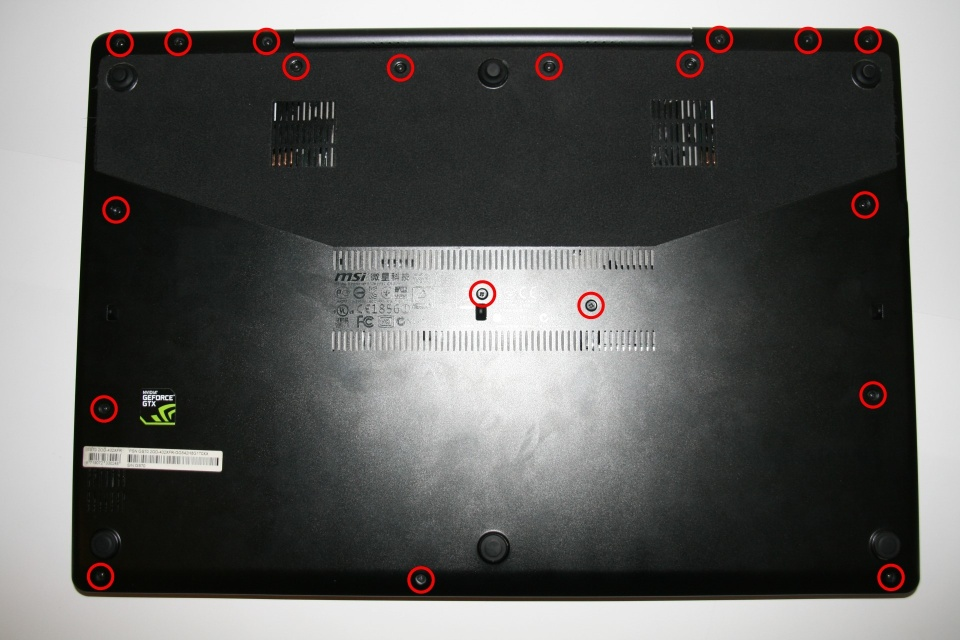 MSI GS70 2OD-432XFR STEALTH : Démontage 3/7